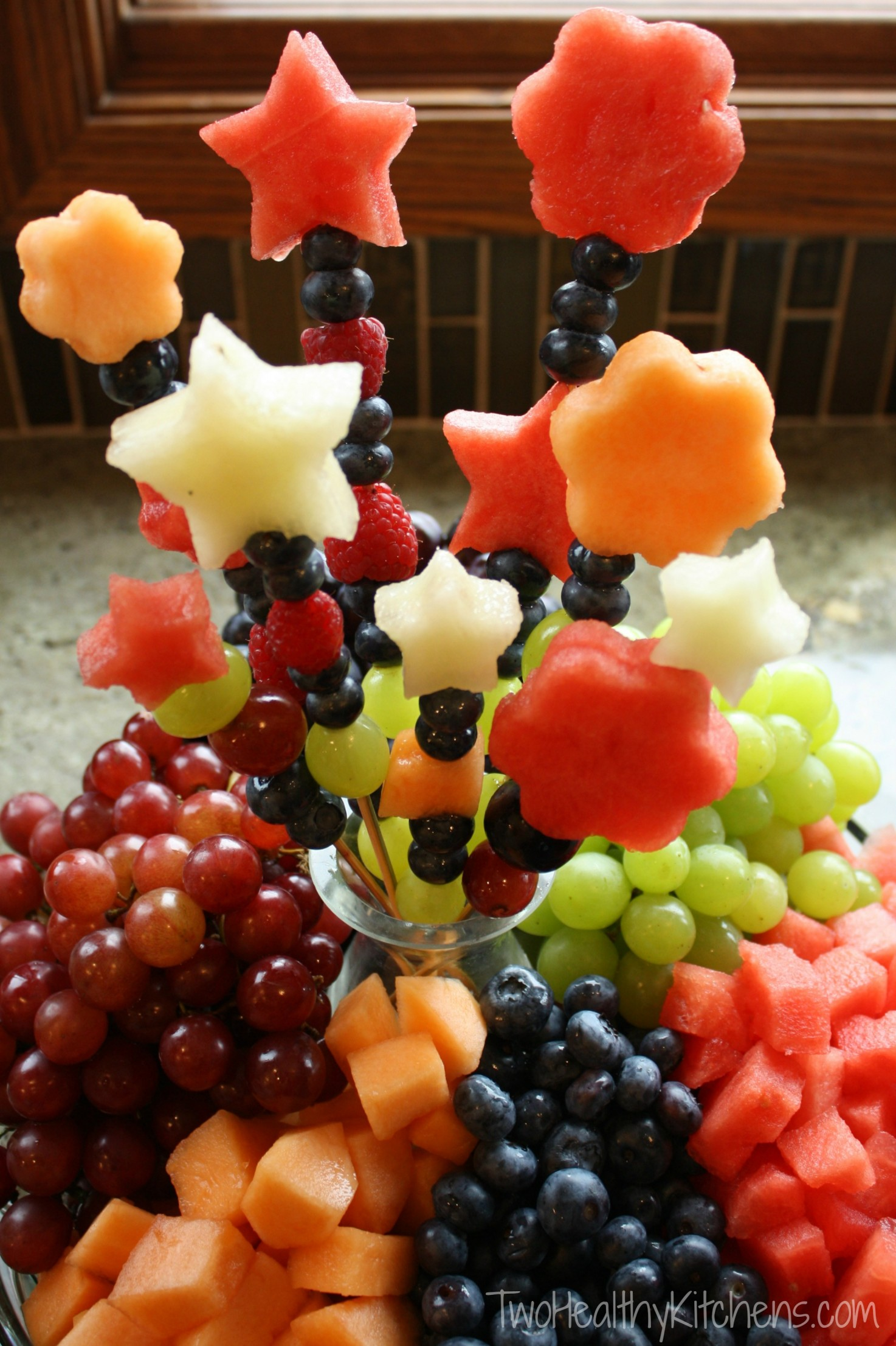 How to Make Fruit Bouquets and Fruit Kabobs {www.TwoHealthyKitchens.com}