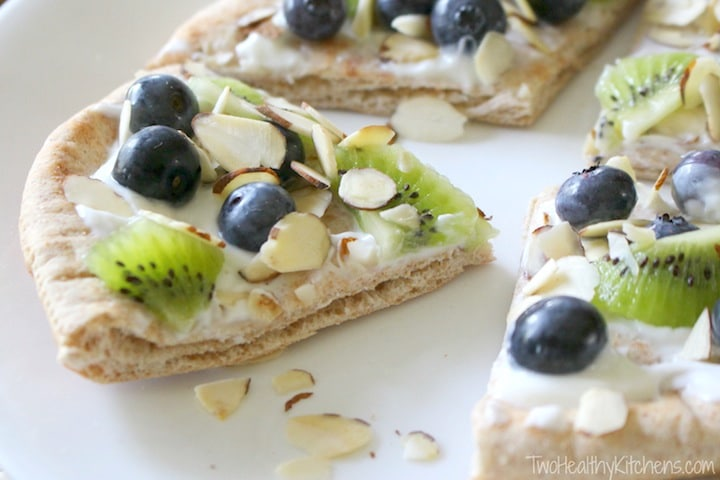 "No-Bake Fruit ""Pizzas"" Recipe {www.TwoHealthyKitchens.com}"