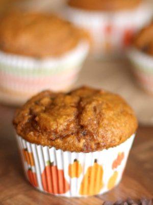 Healthy Pumpkin-Chocolate Chip Muffins