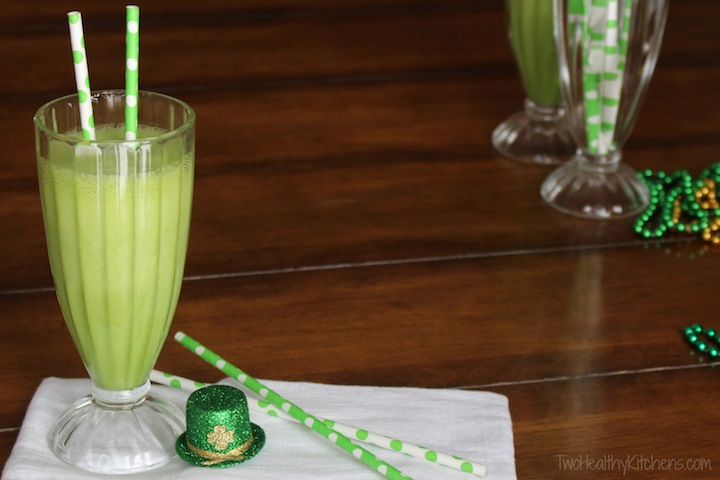 A Healthier Take on the Shamrock Shake (Surprise Superfood Ingredient!) {from Two Healthy Kitchens}