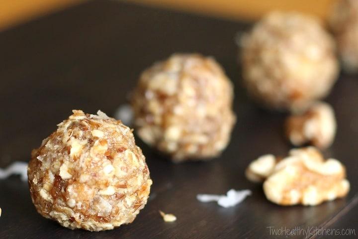 No-Bake Maple-Walnut Oatmeal Snack Bites Recipe {www.TwoHealthyKitchens.com}