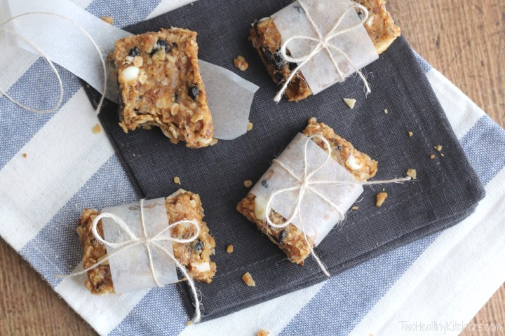 No-Bake Blueberry-Almond Oatmeal Bars with White Chocolate Recipe {www.TwoHealthyKitchens.com}
