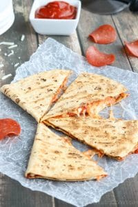 Pepperoni Pizza Quesadilla vert Watermarked