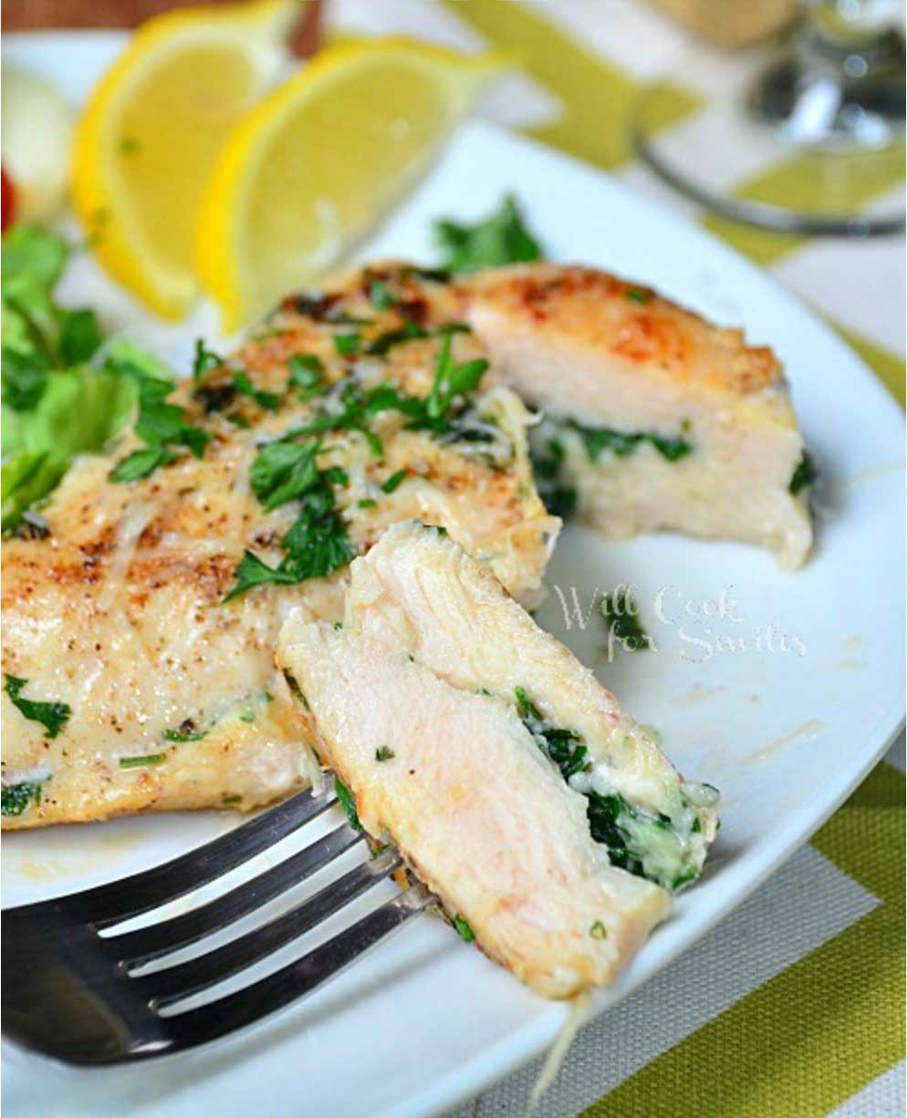 Easy chicken recipes your family will love! We've gathered some of the all-time most popular quick and healthy chicken recipes other bloggers have ever posted. From baked chicken to chicken casseroles, skillet chicken to slow cooker chicken, chicken fajitas to a unique and veggie-loaded chicken stir-fry … and more! These are some of the best chicken recipes ever - reader favorite recipes you'll want to make again and again. Perfect dinners for busy weeknights! | www.TwoHealthyKitchens.com
