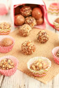 gingerbread-date-balls-wrapped