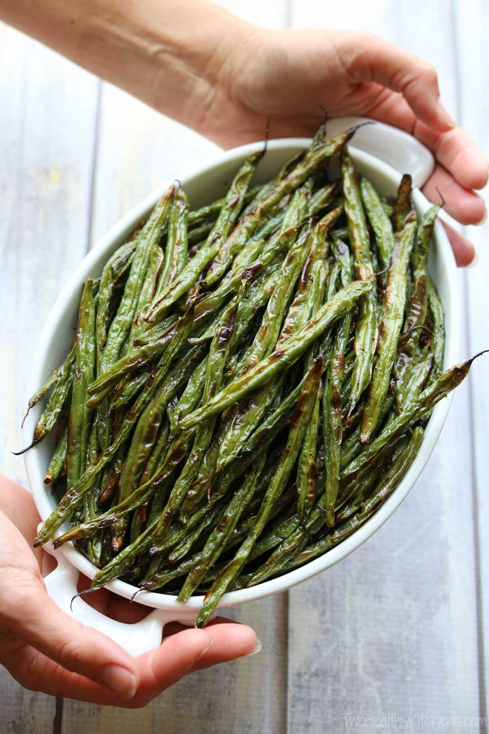 For an easy Thanksgiving side dish that's a truly fresh spin on classic green bean casserole: just serve up super-easy roasted green beans! It doesn't have to be complicated to be delicious!