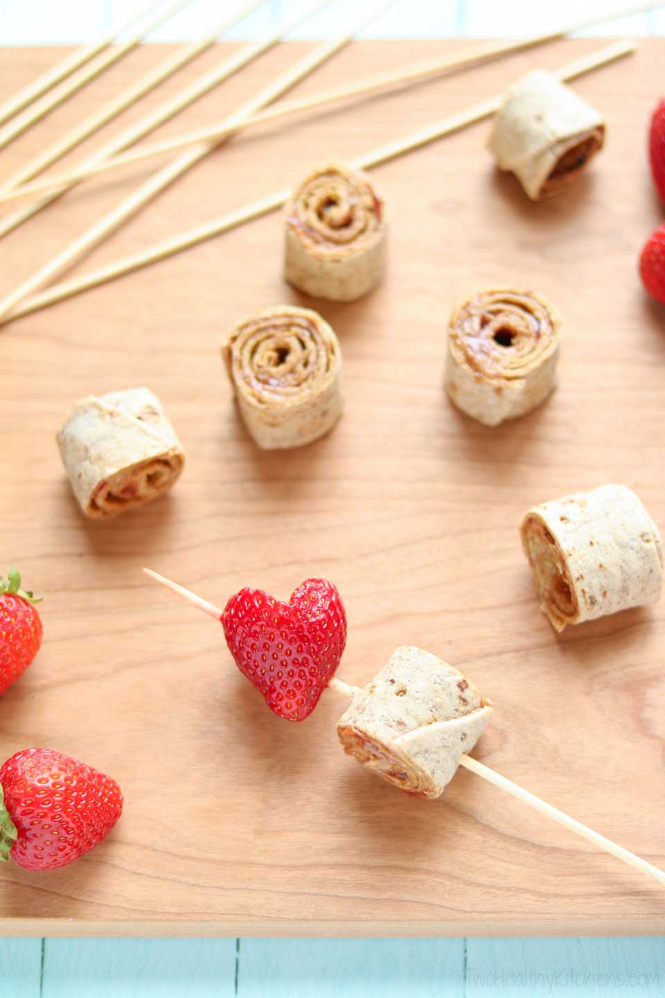 What's not to love about this lunchbox idea? Pinwheels make sandwich wraps more bite-sized and fun … and threading those pinwheels onto skewers to make cute kabobs just takes the fun to the next level! Your kids will love these! And you'll love that they're quick and easy, and also really nutritious!
