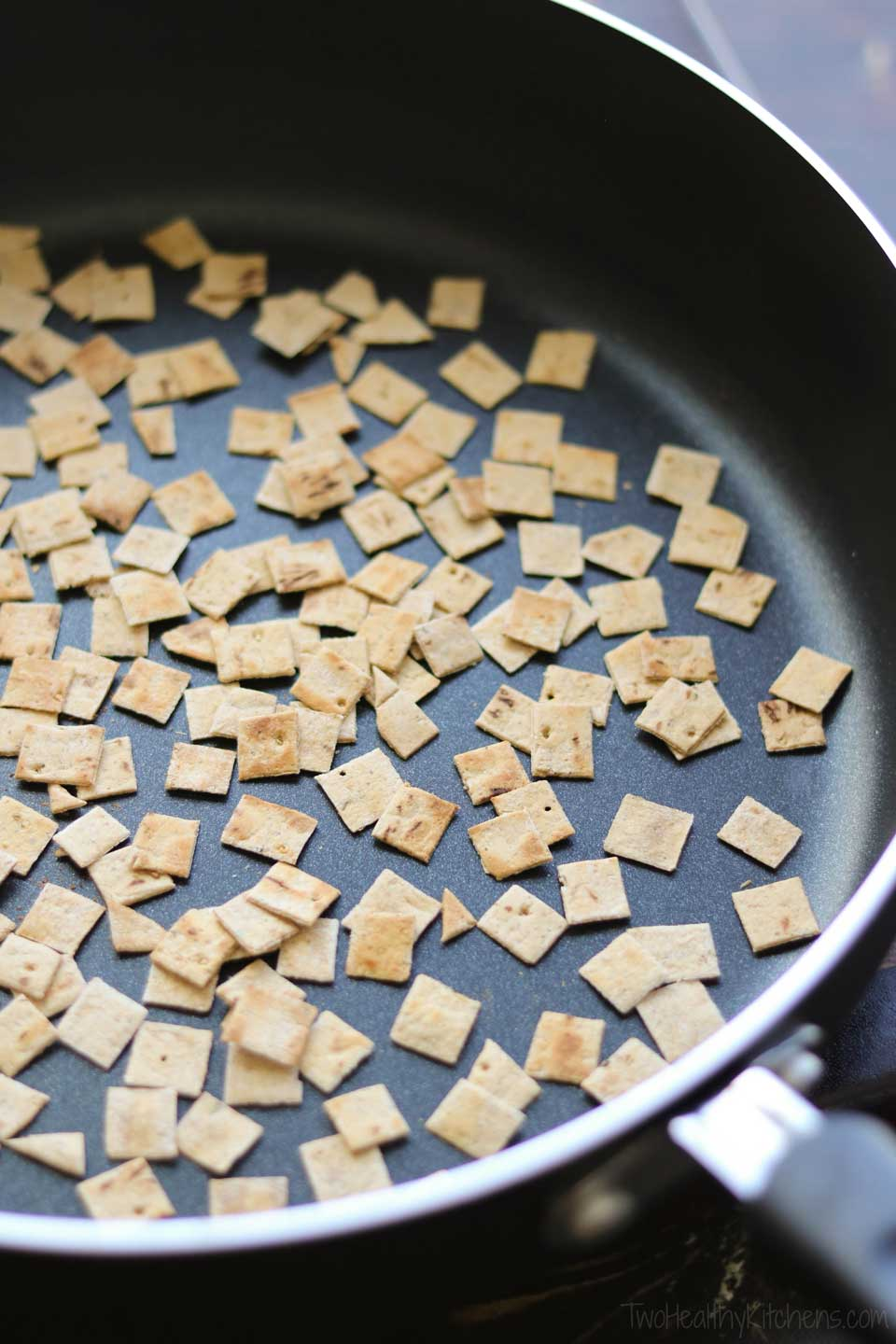 The toasted flatbread croutons smell so good, full of yummy Italian-spiced flavors!