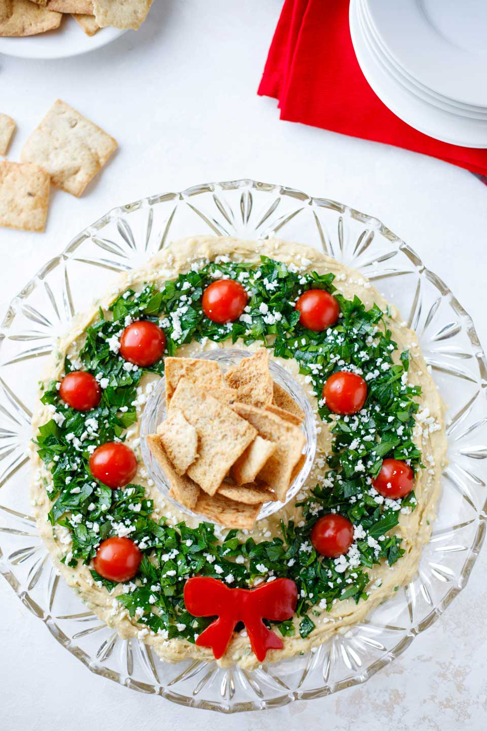 "Easy Christmas Appetizer ""Hummus Wreath"