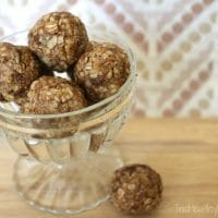 Oatmeal-Chocolate Chip Cookie Dough Snack Bites